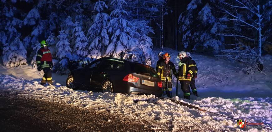 Der erste Schneefall – die erste Fahrzeugbergung