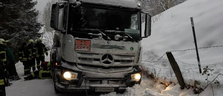 Personenrettung und Fahrzeugbergung in Neukirchen